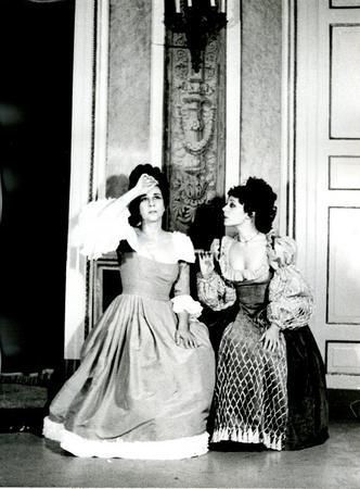 Anna D'Offizi, Maria Teresa Sonni