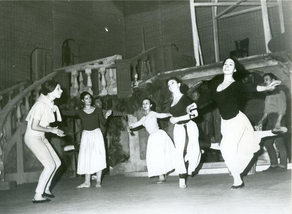 La coreografia Marta Egri e i danzatori